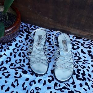 🦋 5/20 Cabin Creek Silver Sandals